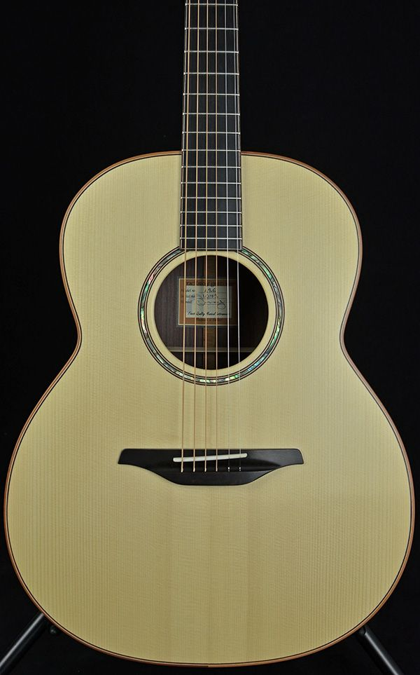 Mcilroy A36 guitar - Spruce Rosewood